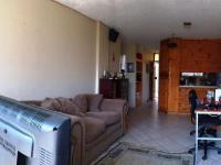 Lounges - 19 square meters of property in Wonderboom South