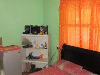 Main Bedroom - 16 square meters of property in Belmont Park