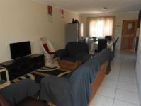 Lounges - 14 square meters of property in Kenville