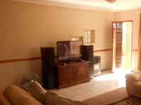 Lounges - 23 square meters of property in Highveld