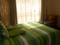 Bed Room 1 - 14 square meters of property in Highveld