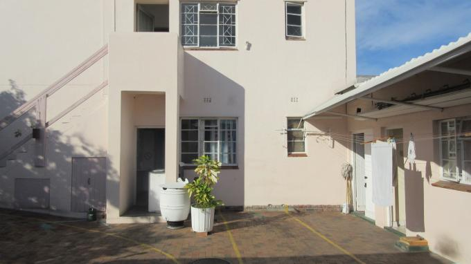 10 Bedroom House For Sale in Parow Central - Home Sell - MR142416