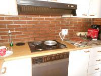 Kitchen - 33 square meters of property in Lombardy East