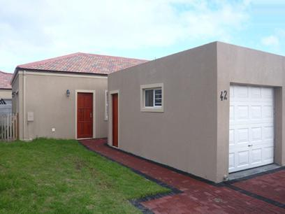 2 Bedroom Simplex for Sale For Sale in Gordons Bay - Private Sale - MR14252