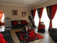 Lounges - 23 square meters of property in Carletonville