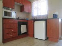 Kitchen - 6 square meters of property in Klippoortjie AH