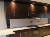 Kitchen - 29 square meters of property in Glenvista
