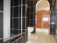 Main Bathroom - 13 square meters of property in Deneysville