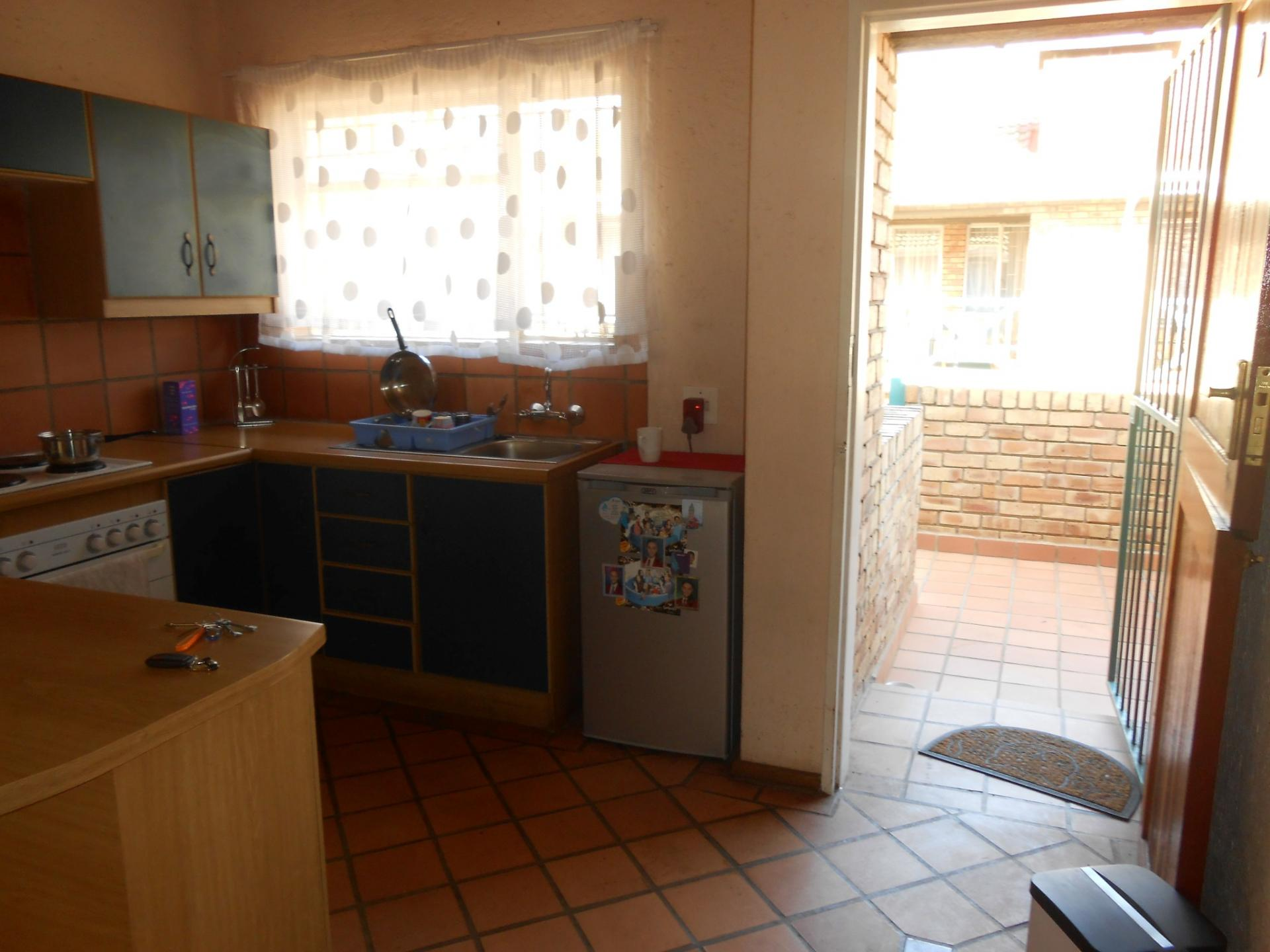 Kitchen - 12 square meters of property in Westonaria