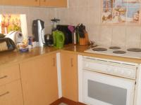 Kitchen - 9 square meters of property in Hennopspark