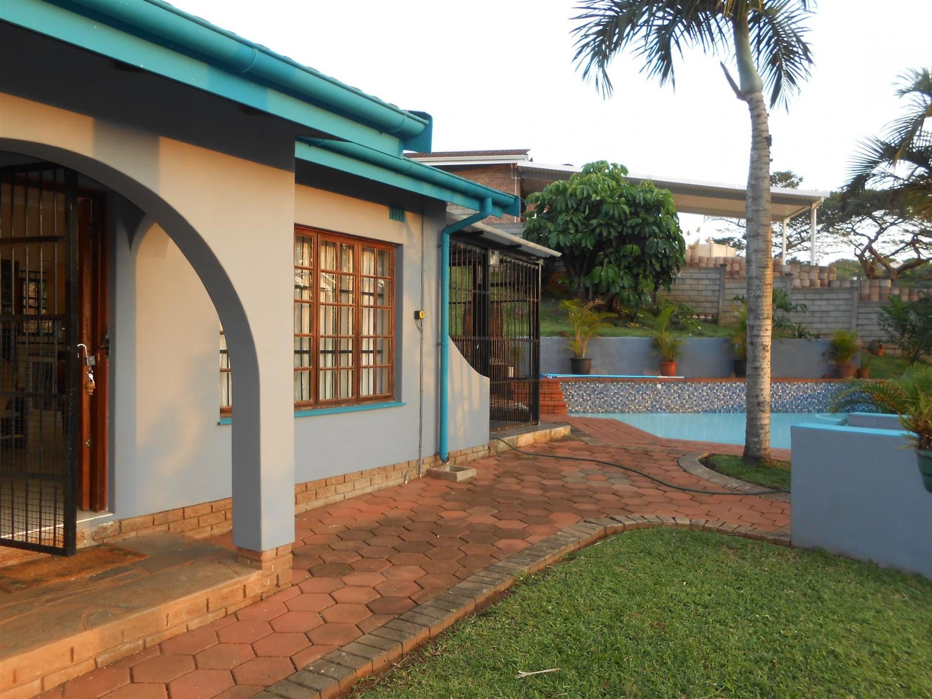 Front View of property in Illovo Glen