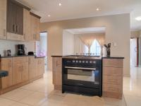 Kitchen - 20 square meters of property in Newmark Estate