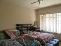 Main Bedroom - 19 square meters of property in Vanderbijlpark