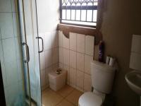 Bathroom 1 - 4 square meters of property in Dawn Park