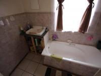Bathroom 3+ of property in Albertville