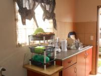 Kitchen - 8 square meters of property in Olievenhoutbos