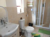 Main Bathroom - 7 square meters of property in Randpark