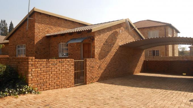 3 Bedroom Simplex For Sale in Midrand - Private Sale - MR142744