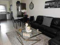 Lounges - 22 square meters of property in Fourways