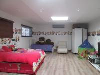 Bed Room 2 - 96 square meters of property in Delmas