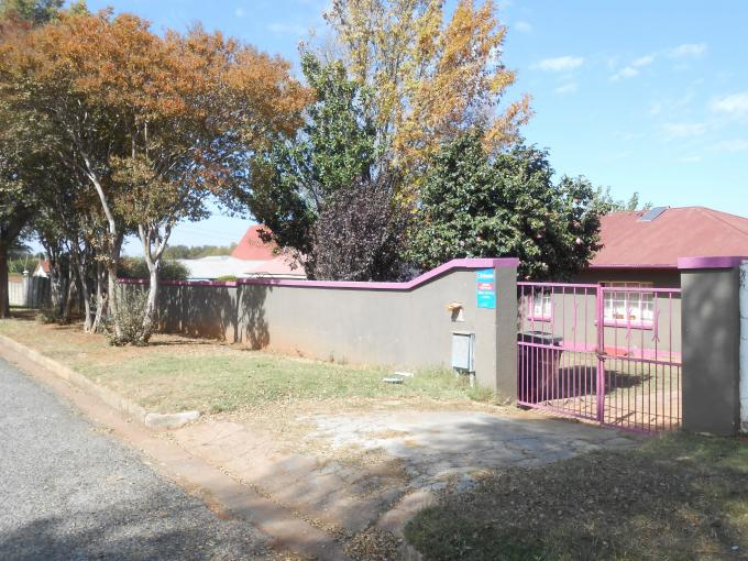 Standard Bank EasySell 3 Bedroom House For Sale in Roodepoort North - MR142850
