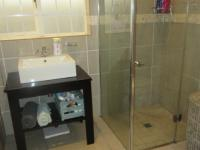 Main Bathroom - 6 square meters of property in Kirstenhof