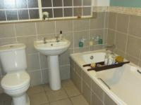 Bathroom 1 - 9 square meters of property in Kirstenhof