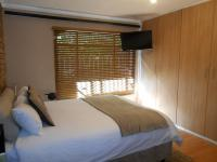 Main Bedroom - 23 square meters of property in Wilropark