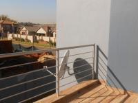 Balcony - 13 square meters of property in Raslouw