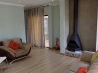 Lounges - 29 square meters of property in Raslouw