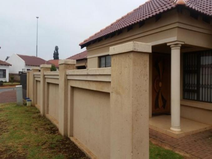 Standard Bank EasySell 4 Bedroom House for Sale For Sale in Vosloorus - MR142979