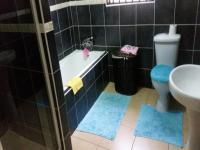 Bathroom 1 of property in Vosloorus