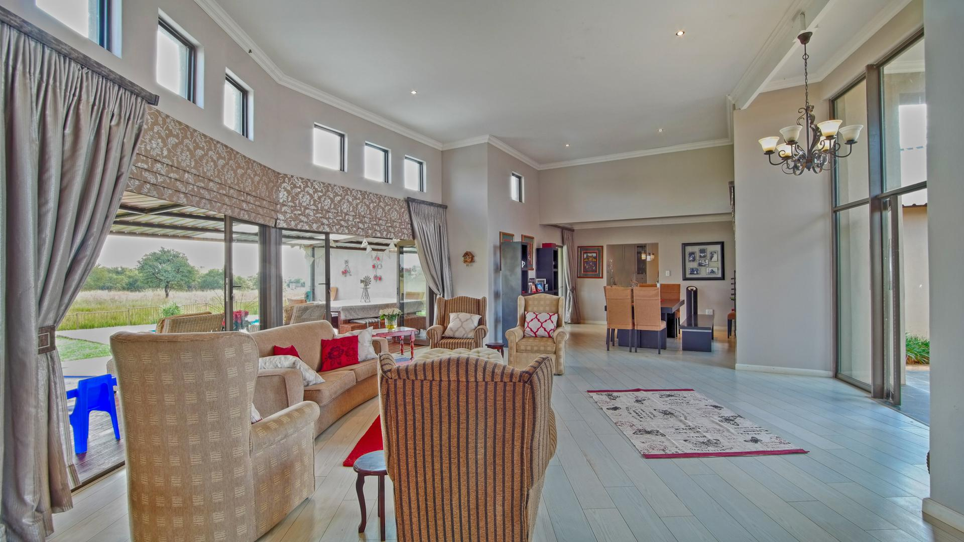 Lounges of property in Silver Lakes Golf Estate