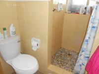 Bathroom 2 - 5 square meters