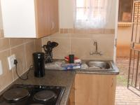 Kitchen - 12 square meters of property in The Orchards