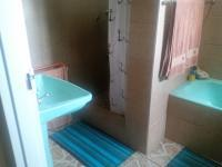Bathroom 1 - 10 square meters of property in Lydenburg