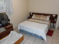 Main Bedroom - 15 square meters of property in Port Edward