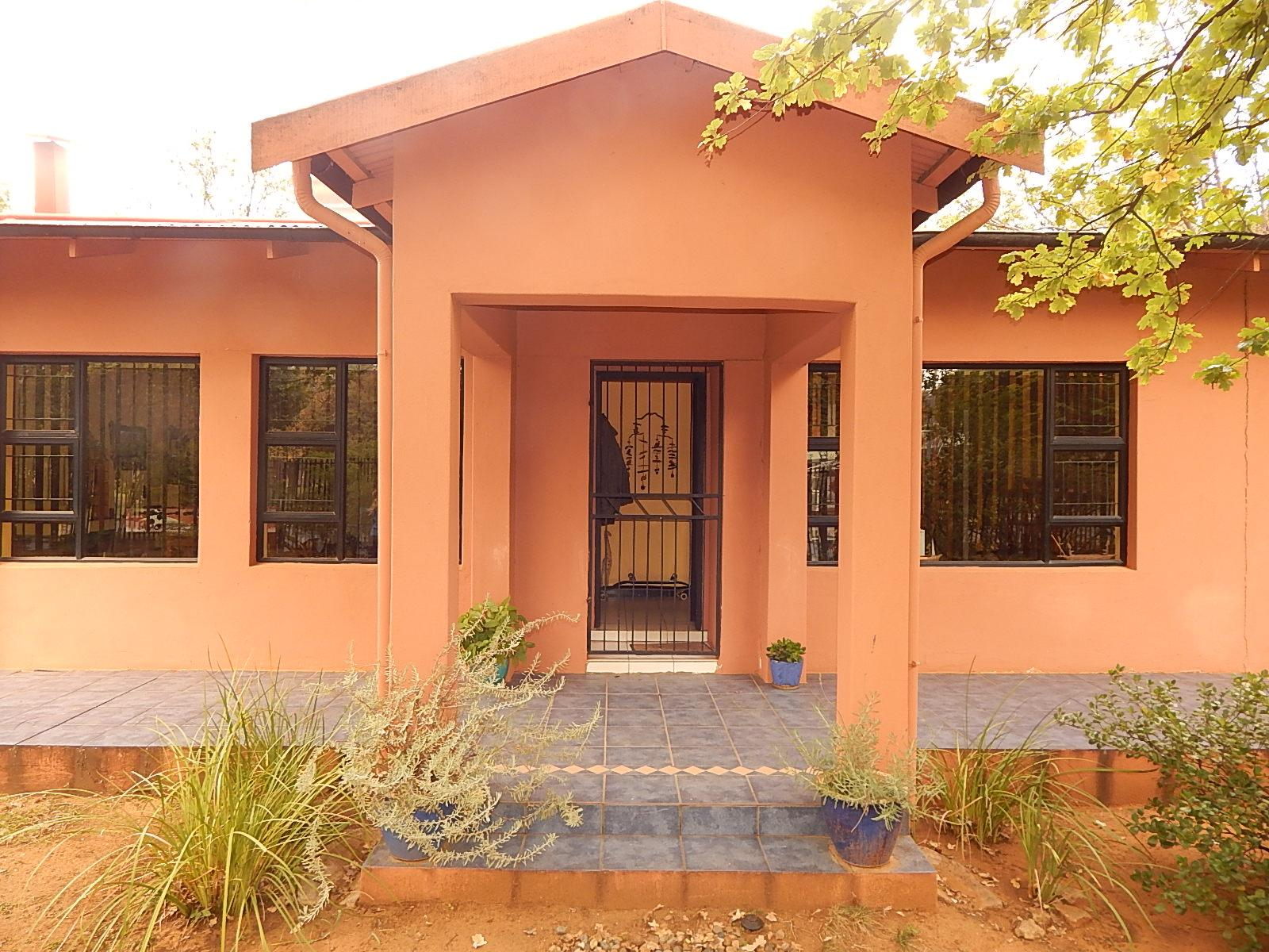 3 Bedroom House for Sale For Sale in Bloemfontein - Home Sell - MR143089