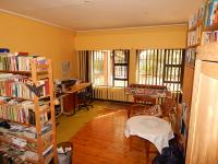 Lounges - 23 square meters of property in Bloemfontein