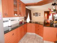 Kitchen - 23 square meters of property in Strubensvallei