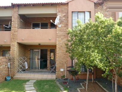 2 Bedroom Apartment For Sale in Mooikloof Ridge - Private Sale - MR14313