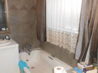 Main Bathroom - 11 square meters of property in Clubview
