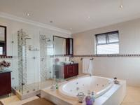Main Bathroom - 27 square meters of property in The Wilds Estate