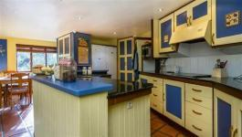 Kitchen - 27 square meters of property in Gordons Bay
