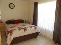 Main Bedroom - 16 square meters of property in Randfontein