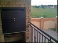 Balcony - 10 square meters of property in Vaalpark