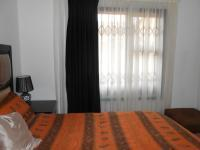 Main Bedroom - 15 square meters of property in Lenasia South