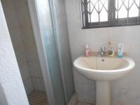 Main Bathroom - 5 square meters of property in Lenasia South