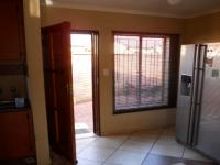 Dining Room - 10 square meters of property in The Orchards