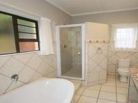 Main Bathroom - 7 square meters of property in Bonnie Doon